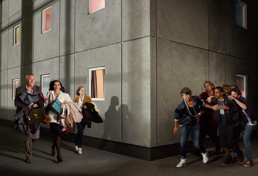 Sylvie Zijlmans & Hewald Jongenelis - 2011 - Wallpaper 150 editorial - 020